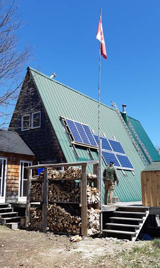 A customer testimonial on Microgreen complete offgrid power system recommended for their 1500 sq ft cottage